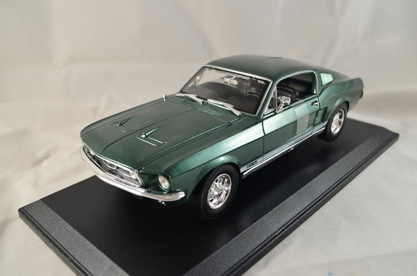 Ford Mustang GTA Fastback 1967 1:18 Metall, Maisto Art. 31166